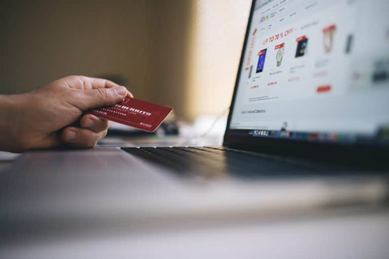 Read more about the article 7 proven strategies to start a successful e-commerce store