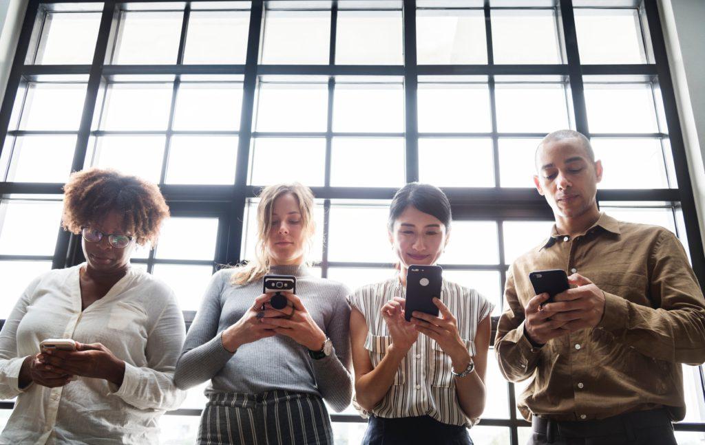 How do you build a successful social media strategy?How do you start a social media strategy in 10 steps?How can social media strategies be improved?